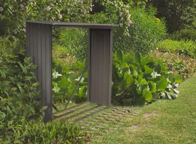 Un bûcher métallique aspect bois vieilli, qu'en pensez-vous pour aménager votre jardin ?