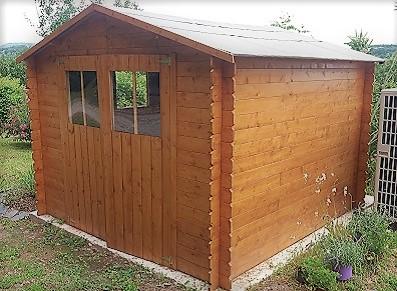 cabane de rangement en bois