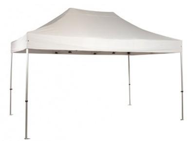 De multiples utilisations pour une tente pliante lors d'un événement sportif