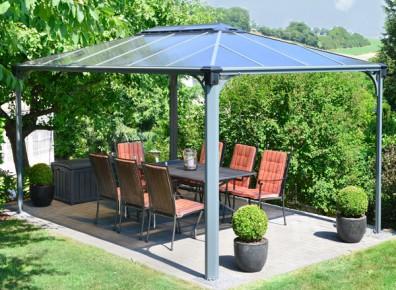 Différents formes, différents matériaux, de multiples solutions pour l'aménagement d'un espace de travail au jardin