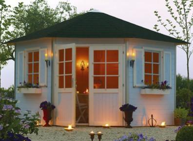 cabane trois façade bois