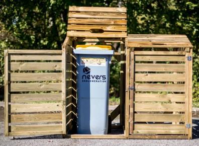 Un abri poubelle en bois pour un peu d'élégance autour de ses déchets !