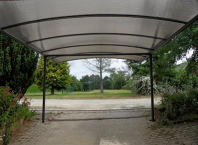 Les atouts du sur-mesure : pour un carport adaptable et flexible !
