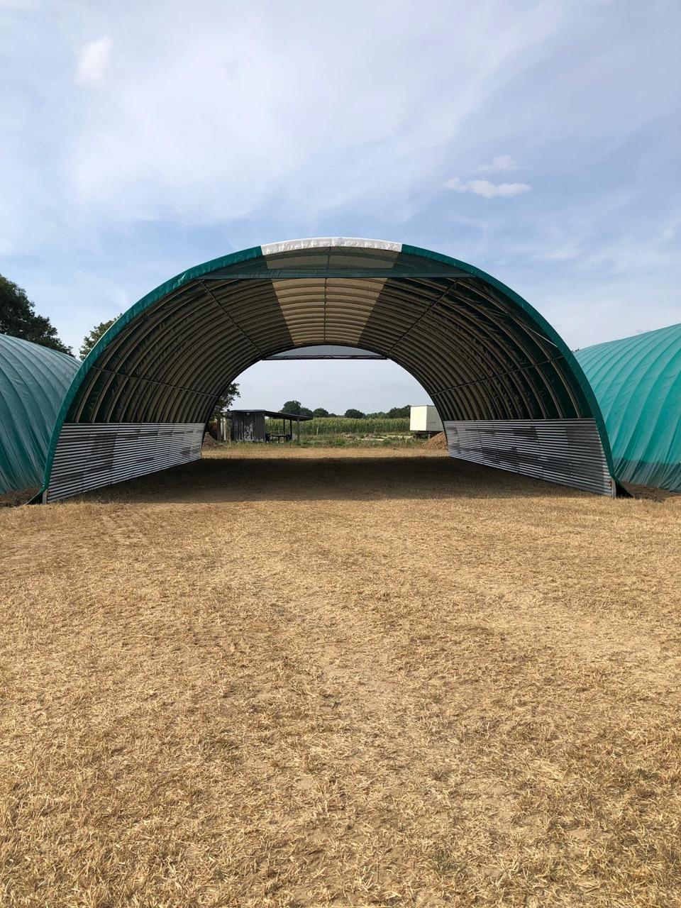 Tunnel de stockage pour un agriculteur pro