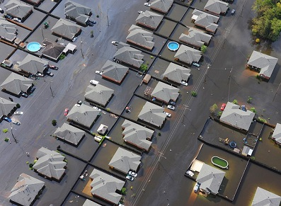 Inondations dans le Languedoc-Roussillon : l'abri de jardin et le garage en kit… face aux assurances !