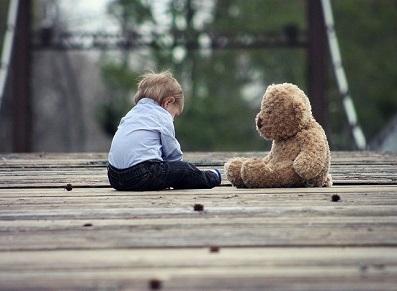 Confiné avec des enfants : cabanes, cabanons et abris pour jouer !