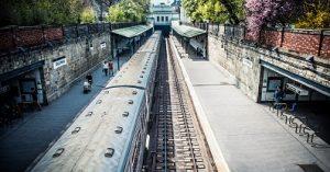 abri édicule pour un métro