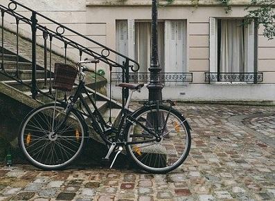 Laissez-vous tenter par l'abri vélo pour la journée mondiale du vélo !
