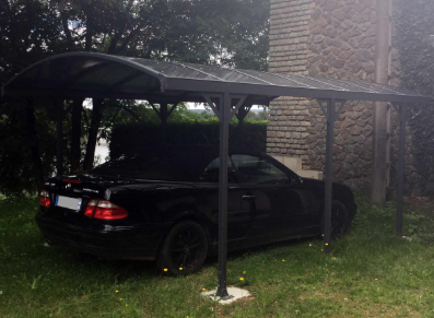 Un carport aluminium en acier galvanisé