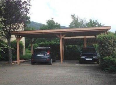 ossature en bois douglas pas ch re qui fait un carport pour voiture france abris. Black Bedroom Furniture Sets. Home Design Ideas