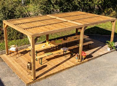 Ce pavillon bois pour aménager une aire de pique-nique