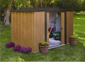 Aménagez votre jardin avec un abri metal finition simili bois
